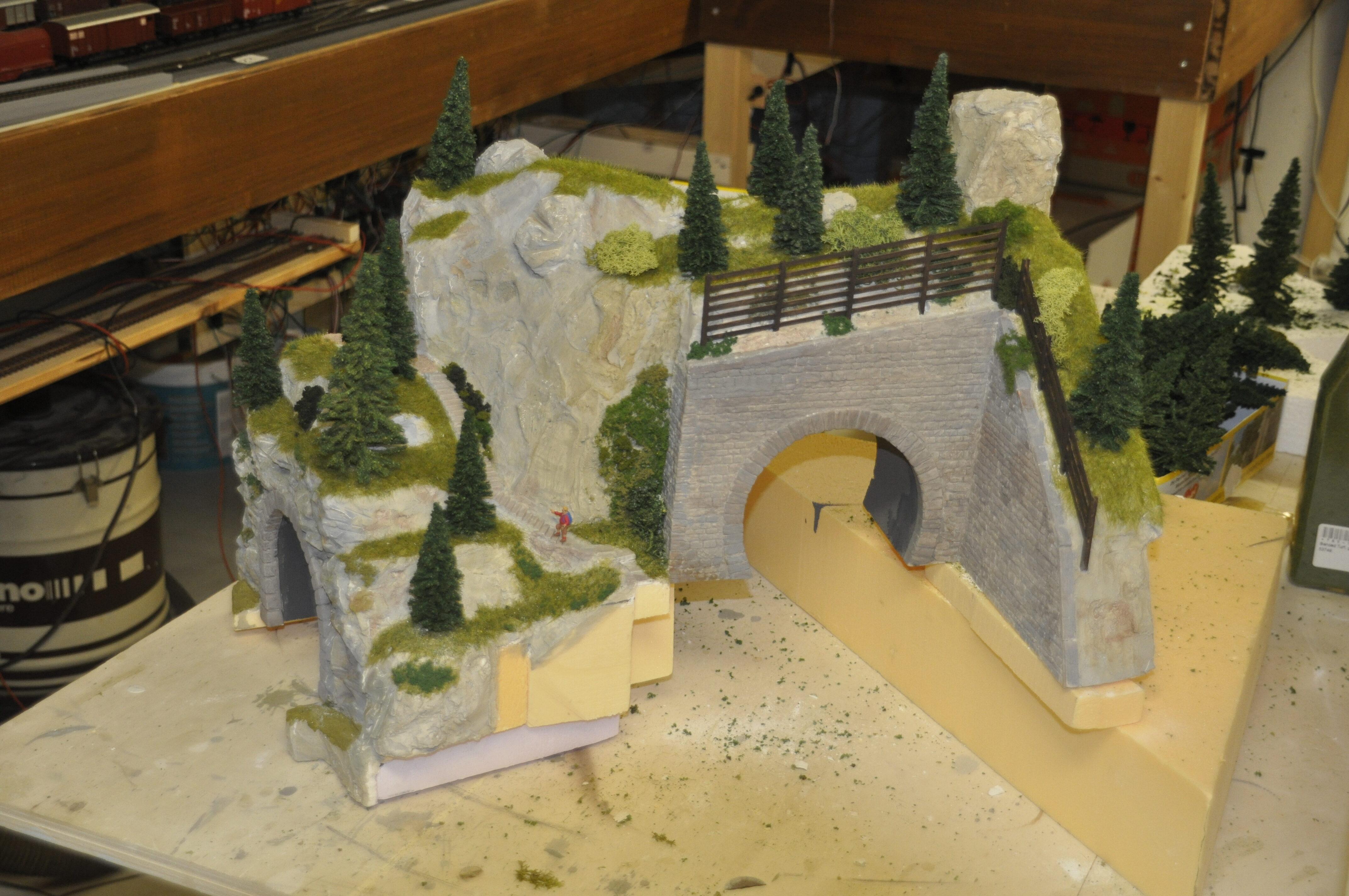 Obere Tunnelportale